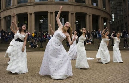 bride-flash-mob-2
