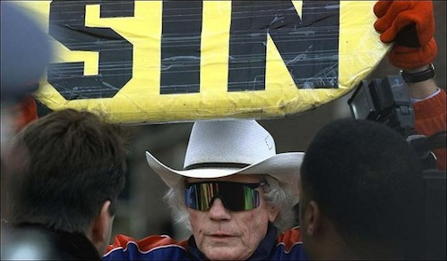 Fred-Phelps-650x381