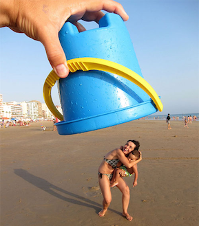 unbelievable-examples-of-forced-perspective-1.jpg