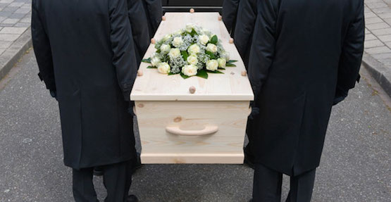 mobile-blog-pallbearers-carrying-a-coffin