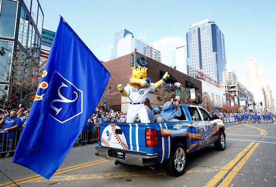 KANSAS CITY, MO - NOVEMBER 03: The Kansas City Royals' mascot Sluggerrr waves to the crowd during a parade and celebration in honor of the Royals' World Series win on November 3, 2015 in Kansas City, Missouri. (Photo by Jamie Squire/Getty Images)