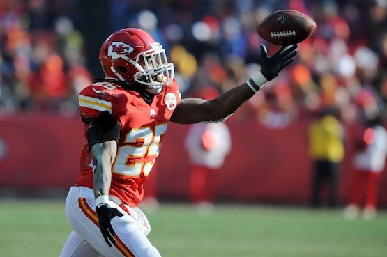 Dec 23, 2012; Kansas City, MO, USA; Kansas City Chiefs running back Jamaal Charles (25) catches a pass against the Indianapolis Colts in the first half at Arrowhead Stadium. Mandatory Credit: John Rieger-USA TODAY Sports