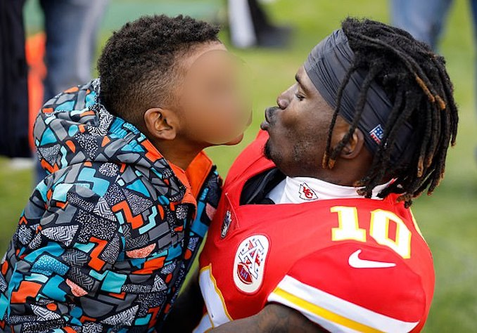 separation shoes a4c44 4d8f8 Hearne: Lax Kansas Child Abuse Laws May Benefit Tyreek Hill ...